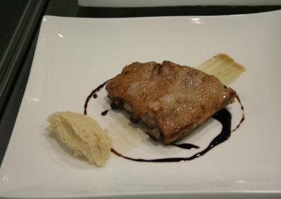 Costella de porc amb salsa de cafè i puré de patata amb avellana