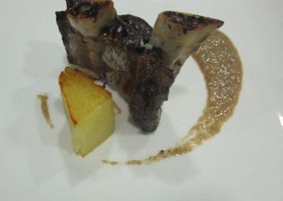 Costella de Wagyu amb graten de patates i ceps